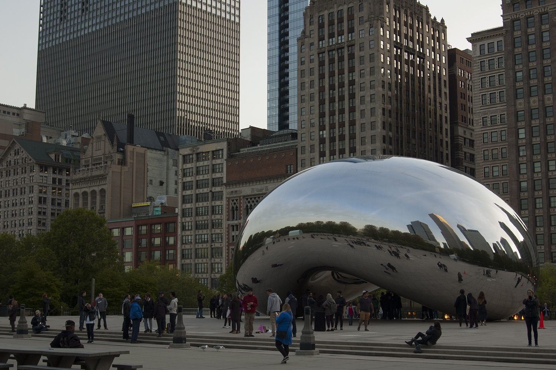 Cloud Gate Millennium Park Przewodnik po Chicago atrakcje zwiedzanie co zobaczyć