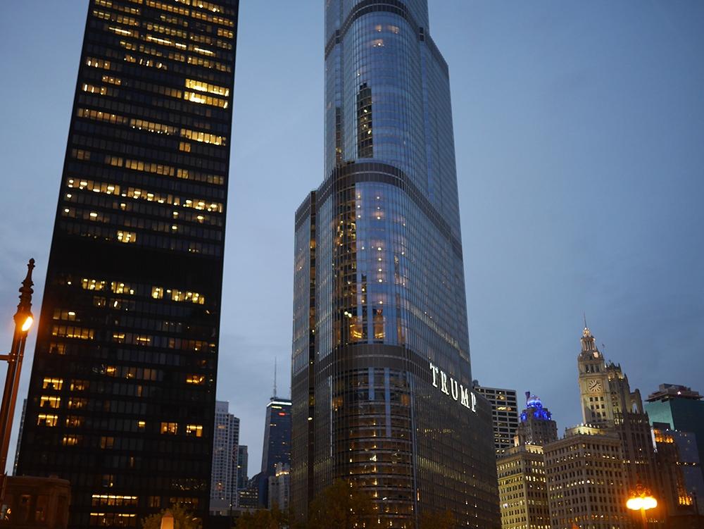 Trump Tower Chicago Magnificent Mile Przewodnik po Chicago atrakcje zwiedzanie co zobaczyć