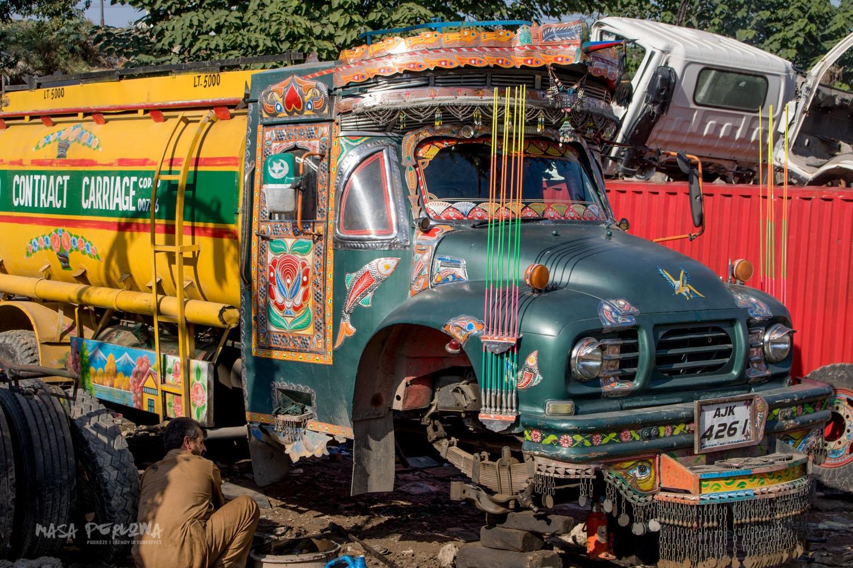 Rawalpindi warsztat ciężarówek